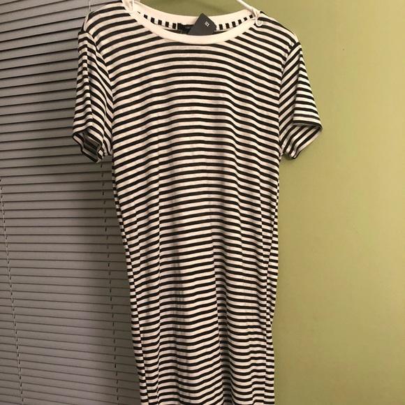 Forever 21 Dresses & Skirts - Forever 21 Striped T-Shirt Dress
